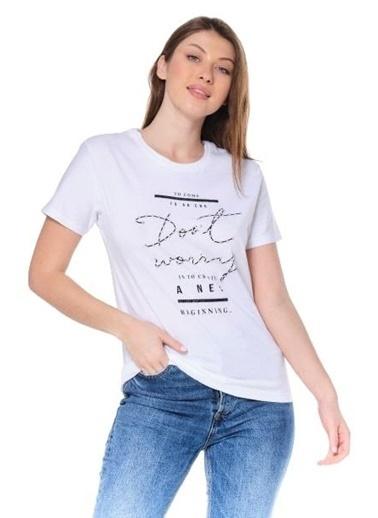 Elif İç Giyim Kadın Bisiket Yaka Baskılı Yazılı Taşlı Beyaz Tişört Beyaz